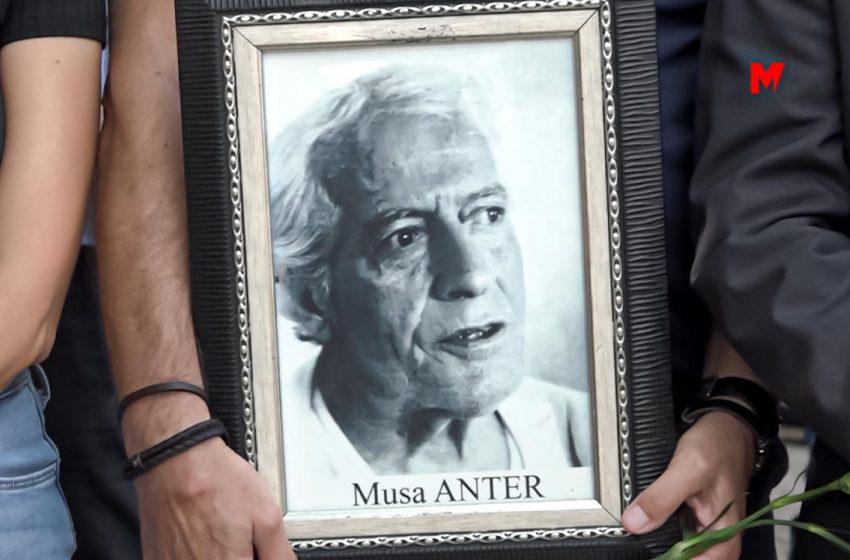 Journalists, politicians, relatives and friends commemorate the 28th anniversary of Musa Anter's death