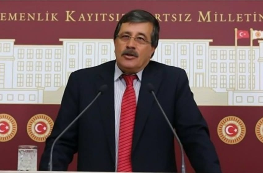 Former BDP deputy Binici and HDP Council member Bağcık detained